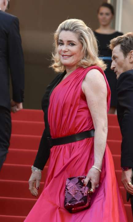 Catherine Deneuve luxetentations.fr